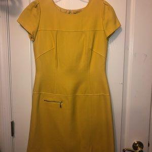 Yellow Tahari short sleeve dress